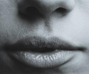como tener labios gruesos